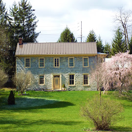 1785 stone home by Dale Moore - Buildings & Architecture Homes ( history, beautiful, stone, victorian, historic district, historical, homes )