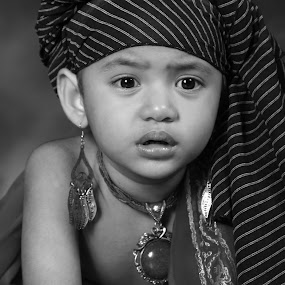 RATU by Ricky Amsal - Babies & Children Child Portraits