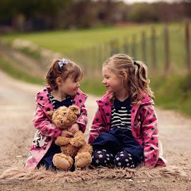 Amelia & Bella by Claire Conybeare - Chinchilla Photography - Babies & Children Children Candids