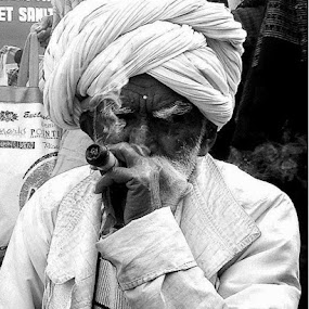 by Pinaki Pradhan - People Street & Candids