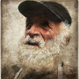 Sig.Osvaldo by Annamaria Germani - People Portraits of Men