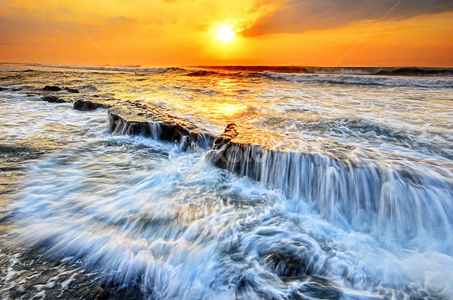 Manyar Beach by Hendri Suhandi - Landscapes Waterscapes ( bali, manyar, beach, sunrise, landscape )