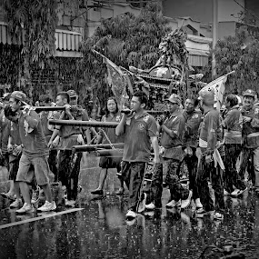 Cap Go Meh 2013 by Ai Khouw - News & Events World Events ( traditional ceremony, 2013, black and white, gia ang, new year, bw, party, people, chinese, perayaan, event, pekalongan, imlek, cap go meh )