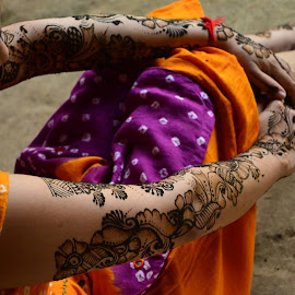 Bride with Mehndi (Henna) by Balasubrahmanya Bhat - People Body Art/Tattoos ( henna, body, mehndi, body parts, body art, indian, traditional, bride, heritage, culture, design )