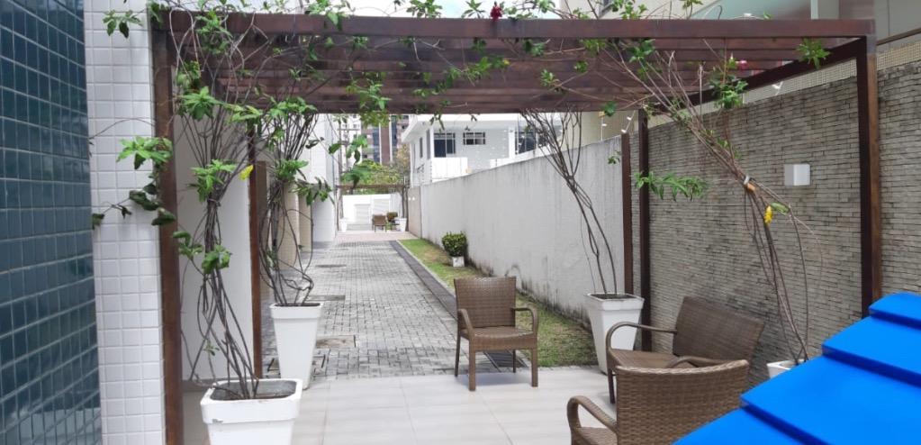 Apartamento com 3 dormitórios para alugar, 130 m² por R$ 1.450/mês - Bessa - João Pessoa/PB