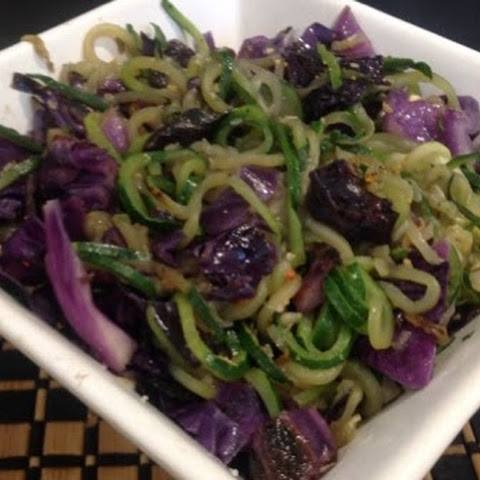 Zucchini Noodles ( Zoodles) with Purple Cabbage