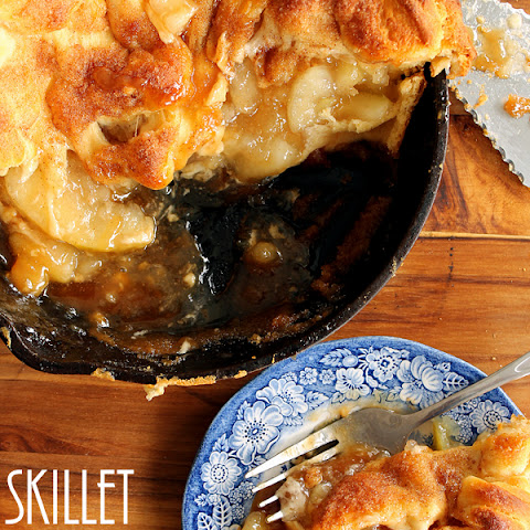 Skillet Caramel Apple Pie Recipe #warmtraditions
