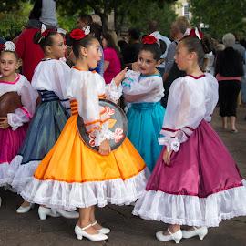 Santa Fe Girls by Olga Charny - People Street & Candids