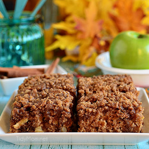 Apple & Brown Sugar Crumb Coffee Cake