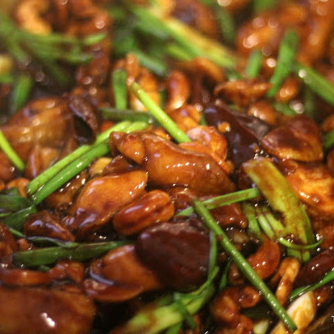 Stir-Fry Chicken with Cashew Nuts and Chillies