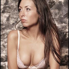 by Shaun Healey - Nudes & Boudoir Boudoir ( colour, model, boudoir )