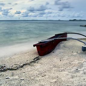 2011 Karimun Jawa by Teraku Nomiya - Landscapes Waterscapes ( java islands, islands, karimunjawa, boat, karimun jawa )