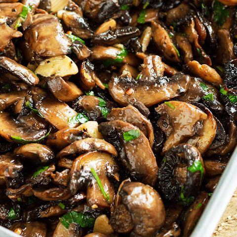 Baked Garlic Parsley Mushrooms