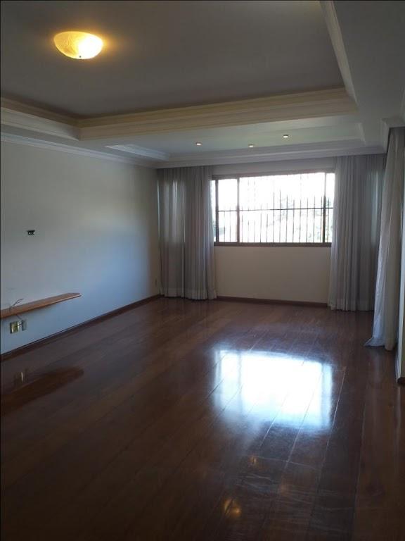 [Apartamento condomínio Araguaia com 214m2]