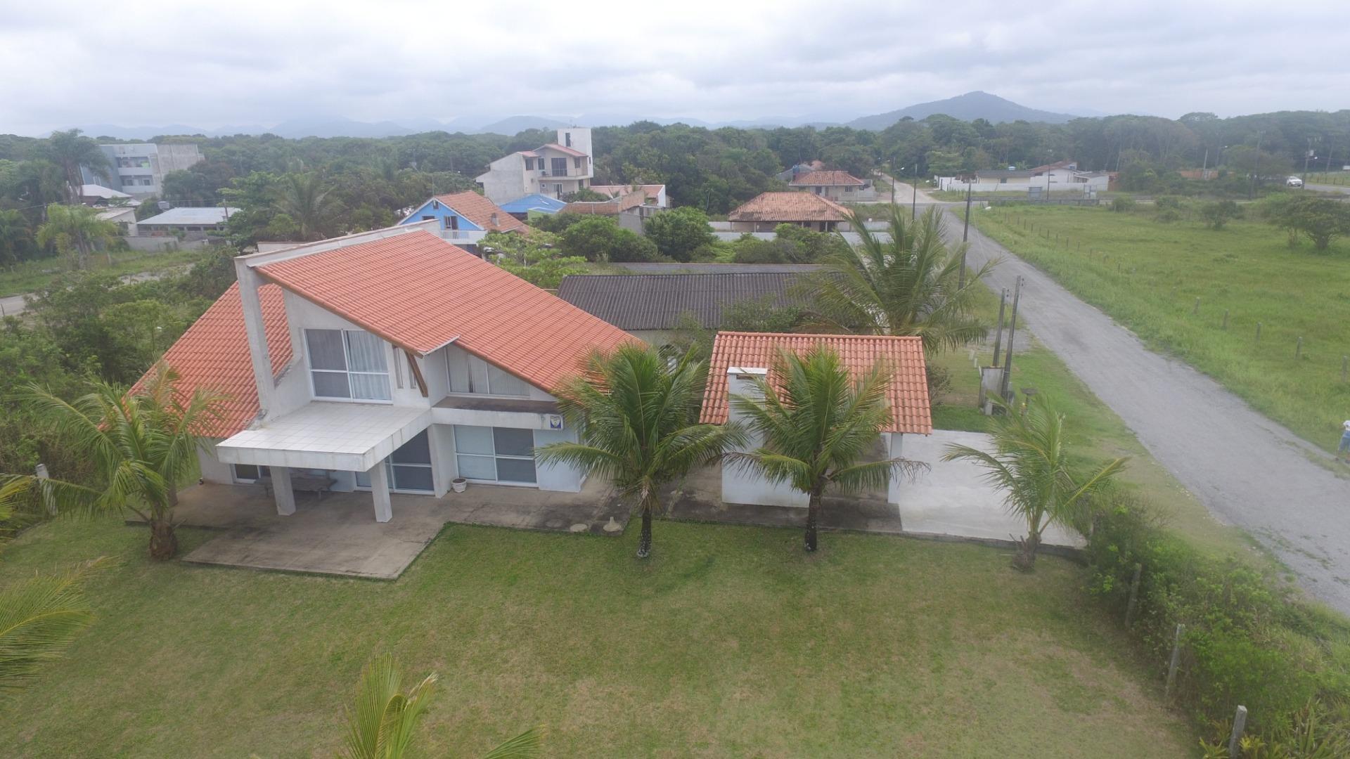 Sobrado com 4 dormitórios à venda, 160 m² por R$ 550.000 - Itamar - Itapoá/SC
