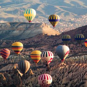 Balloon over Rose Valley.jpg