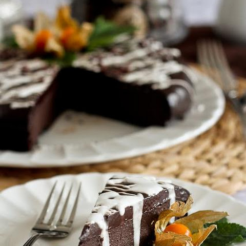 Healthy Flourless Chocolate Cake