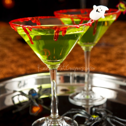 Vampire's Kiss (Halloween Drink Recipe)