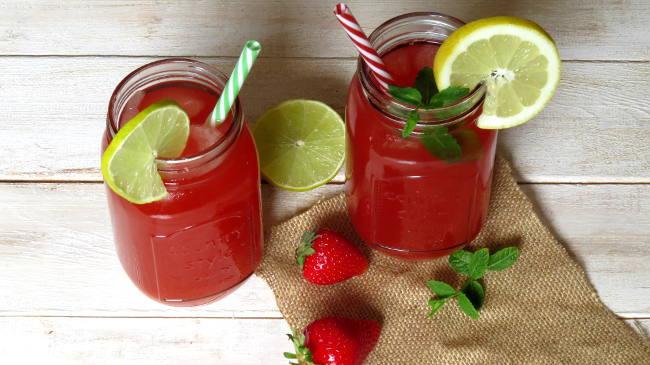 Strawberry Rhubarb Lemonade Recipe | Yummly