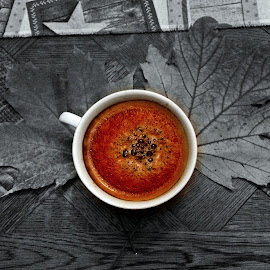Fall coffee by Ciprian Apetrei - Food & Drink Alcohol & Drinks ( selective color, fall, coffee, drink, brittany, leaves )
