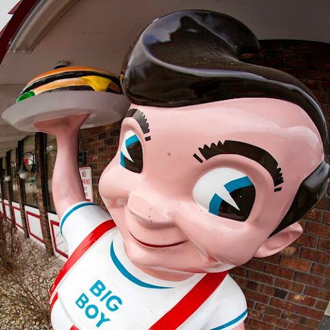 Big Boy's Tartar Sauce Restaurant
