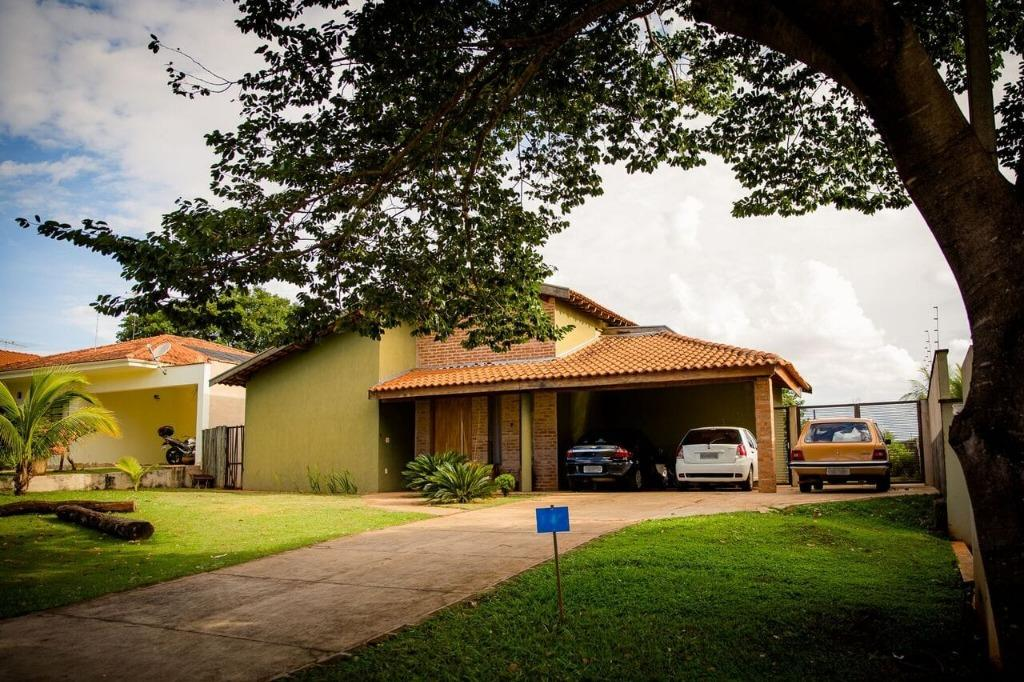 Casa em Condomínio com quartos para Alugar, 150 m²