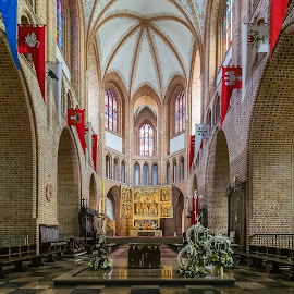 Cathedral by Tomasz B. - Buildings & Architecture Public & Historical ( interior, altar, building, architesture, poznań, cathedral, vault, historical, ostrów tumski, nave, poland )
