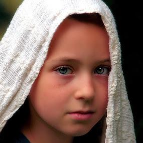 by Sandy Considine - Babies & Children Child Portraits ( face, photography, closeup, close, up )