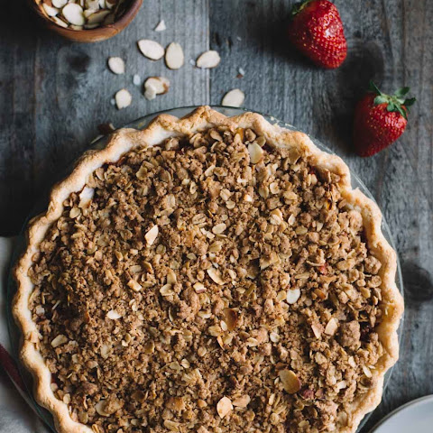 Gluten-Free Strawberry Rhubarb Pie with Crumb Topping