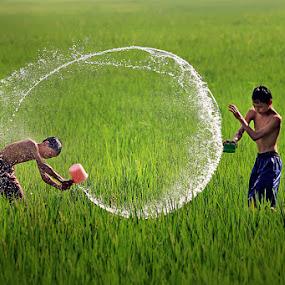 Splash by Jeffry Surianto - Babies & Children Children Candids ( splash, children, people )