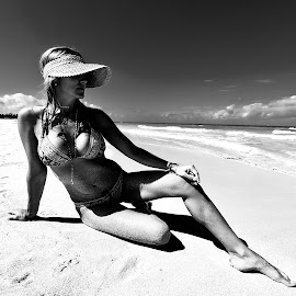 by Zuzana Kapolkova - Black & White Portraits & People