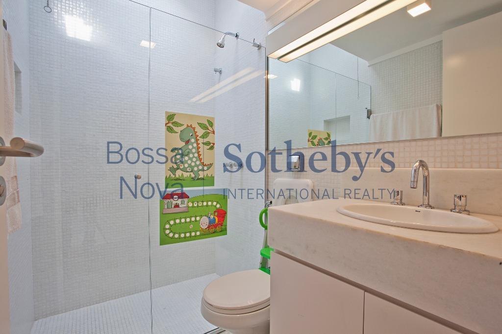 Casa em condomínio com projeto Moderno, no melhor do Brooklin!