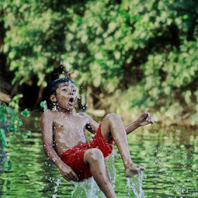 summersault by Francis Coppola - Babies & Children Children Candids