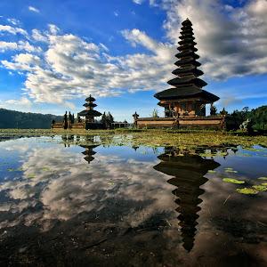 Beratan Temple.jpg