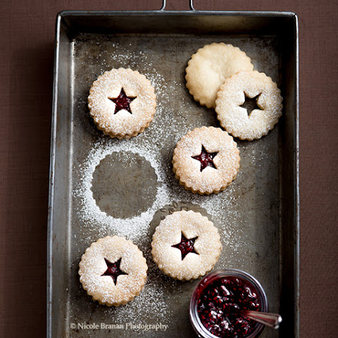 Linzer Cookies with Ginger Cardamom Jam