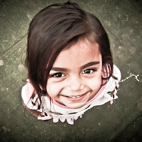 nepal child girl by Satyam Joshi - Babies & Children Children Candids ( children portrait, kathmandu, nepalgunj, child portraits, children candids, girl portrait )