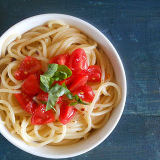 Spaghetti, Aglio, Olio E Peperoncino (garlic,oil And Hot Pepper Flakes)
