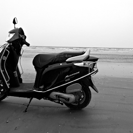 Honda's Beach Time by Anindya Bhattacharjee - Transportation Motorcycles ( honda, aviator, bay of bengal, mandermoni, digha, mandarmani )
