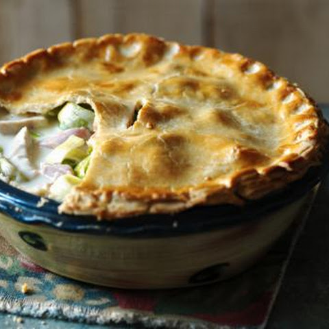 Creamy Chicken, Ham And Leek Pie