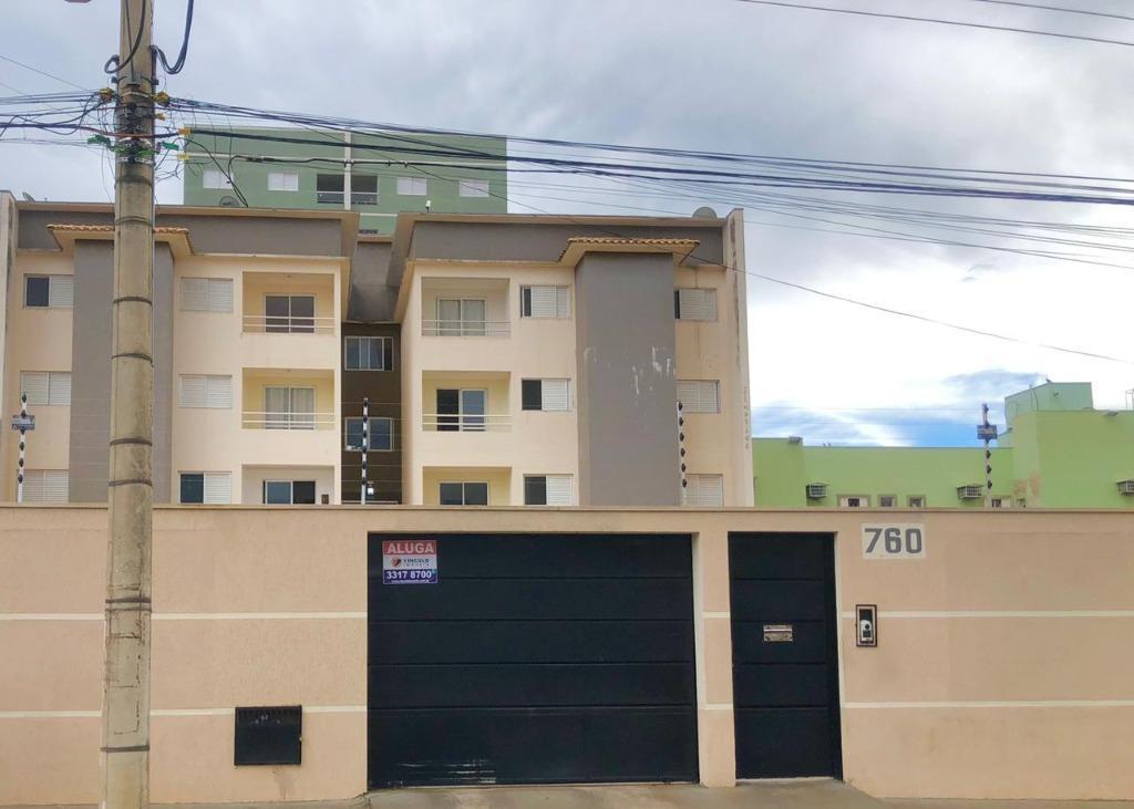 Apartamento com 3 dormitórios à venda, 79 m² por R$ 240.000,00 - Universitário - Uberaba/MG