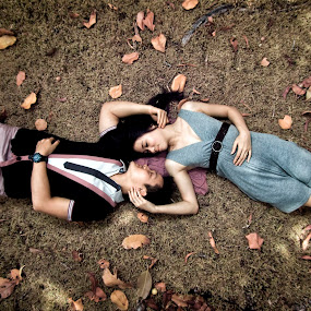 So close by Gede Vidi - People Couples ( infrared, harlim, infra red, gede vidi, jongkokdipojok )