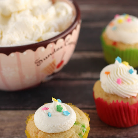 Easy Homemade American Buttercream Frosting