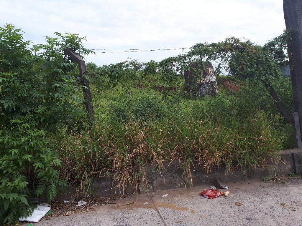 Terreno à venda em Jardim Cecília Cristina, Carapicuíba - SP