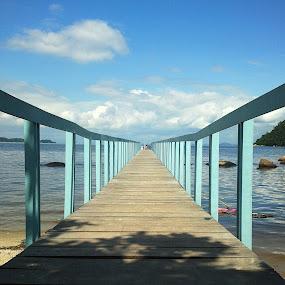 Pier by Leonardo Cardoso - Instagram & Mobile Android ( brazil, rio de janeiro, sea, pier )