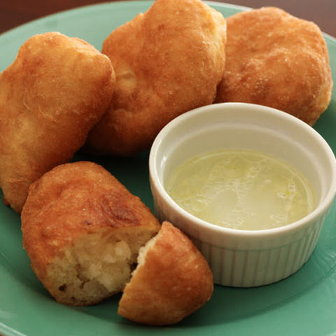 Russian Potato Piroshki with Garlic Dip - Пирожки