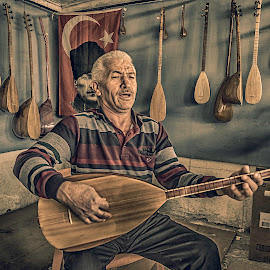 Maestro Halil Kafes by Murat Besbudak - People Musicians & Entertainers ( aydın, çine, saz )