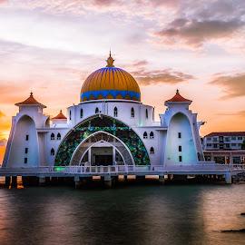 Melaka Straits Mosque by Idzkandar Askzra - Buildings & Architecture Other Exteriors ( selat, masjid, straits, islamic, mosque, malaysia, architecture, landscape, religion, malacca, sunset, melaka, scenery, evening )