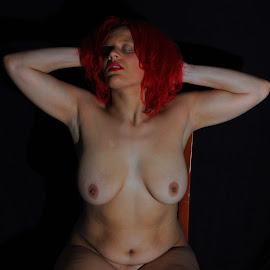 Torso by DJ Cockburn - Nudes & Boudoir Artistic Nude ( speedlight, model, art nude, sitting )