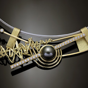 Pendant in gold, diamonds and hematite pearl by Matteo Chinellato - Artistic Objects Jewelry ( pwcstilllife )
