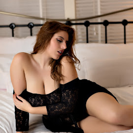 © Rampix Photography by Riaan Www.rampix.co.uk - Nudes & Boudoir Boudoir ( nude, lingerie, boudoir, @rampix_mk, lauren meadows, #rampix )